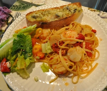 You Have A Delicious Scallop Pasta Meal Serve It With Garlic Bread And A Salad